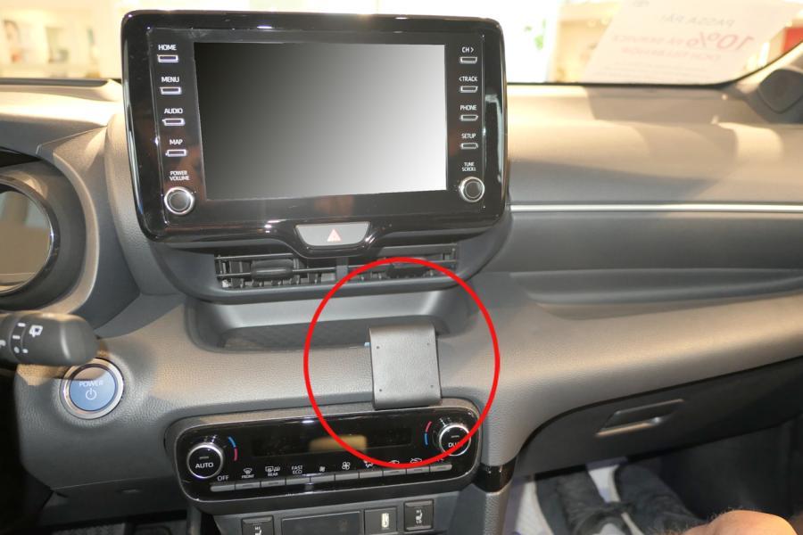 Proclip Toyota Yaris 21- Center mount